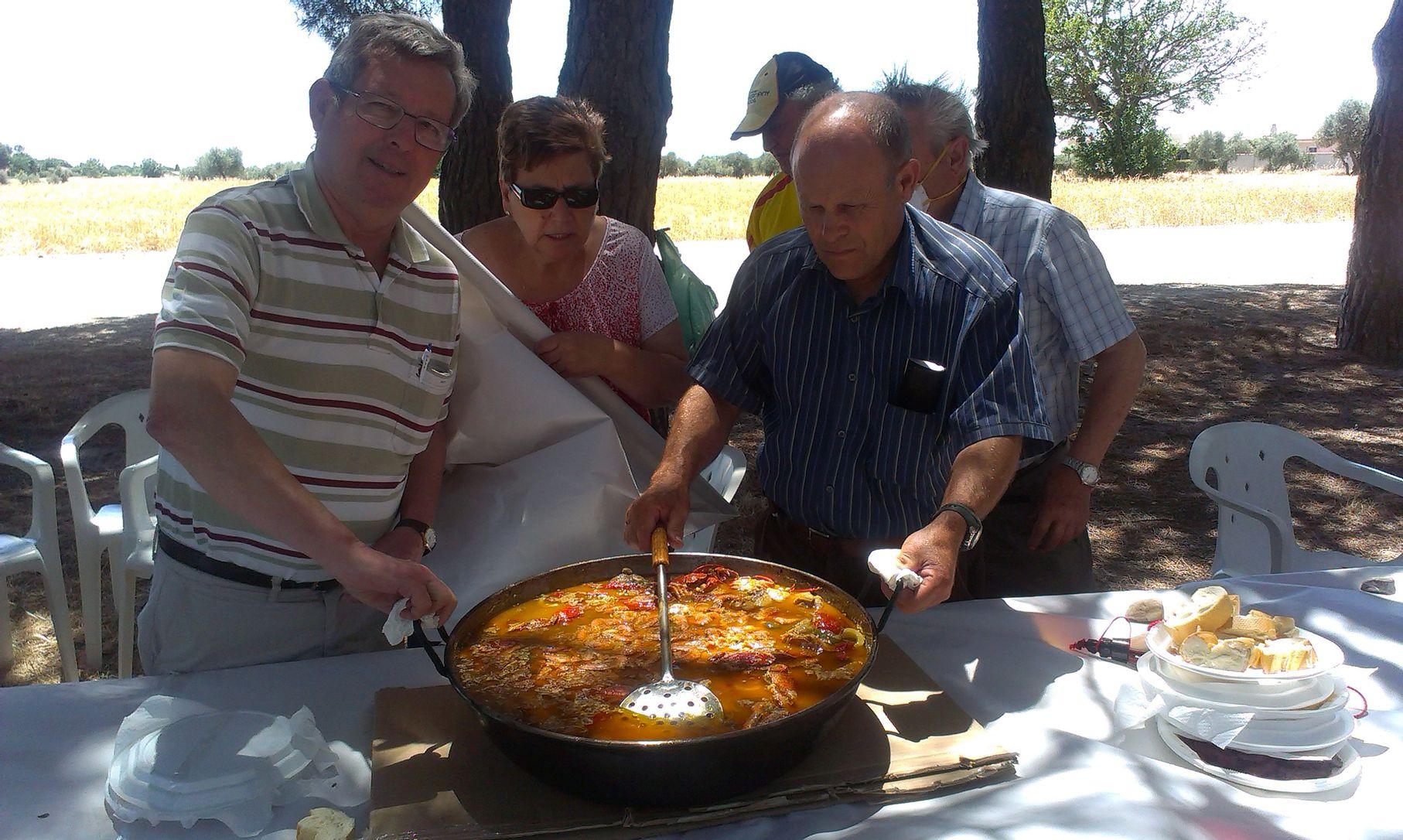 Comida campestre en el Pinar de Cubas de la Sagra